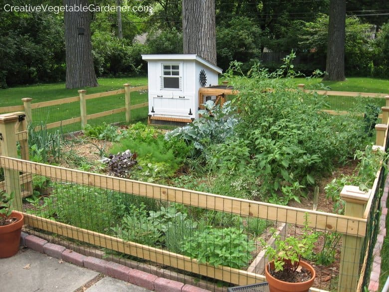 Creative vegetable gardener use this trick before you make for Veggie garden designs
