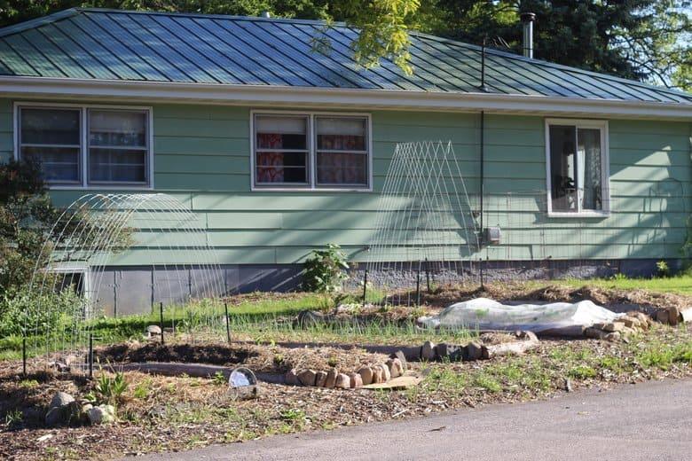 spring front yard garden